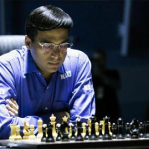 Anand loses again; Harikrishna, Abhijeet among leaders in Gibraltar