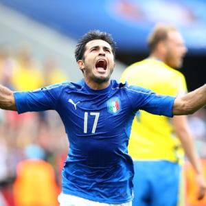 Euro: Late Eder goal sends Italy through to last 16