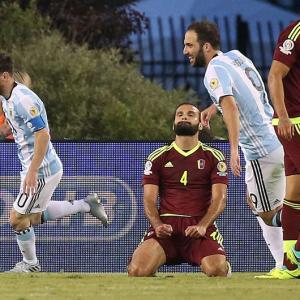 Copa America: Messi equals record as Argentina, Chile advance to semis