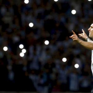 PHOTOS: Messi scores 50th Argentina goal; Alves rescues Brazil