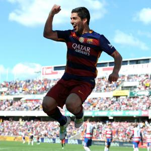 Brilliant 40-goal Suarez crucial to Barca's title win