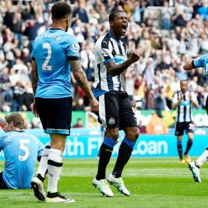 EPL PIX: Newcastle stun Spurs; Giroud hat-trick lifts Arsenal