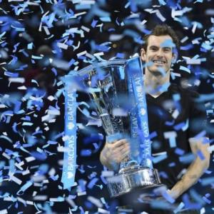 Murray defeats Djokovic to end year as world No1