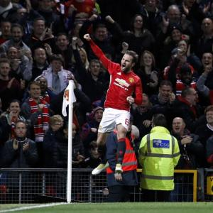 PHOTOS: Manchester United down City, Chelsea lose to West Ham