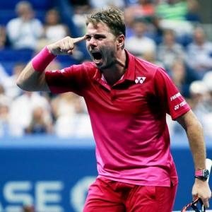 Wawrinka beats Nishikori to set up final against Djokovic