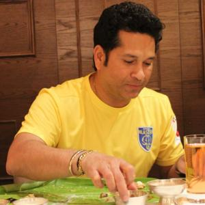 PHOTOS: Sachin Tendulkar celebrates Onam with Kerala Blasters lads!