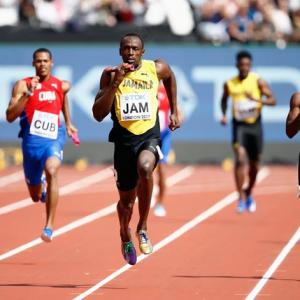 Shocking! Bolt pulls up injured in his last race