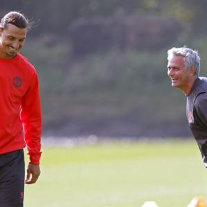 Mourinho asks United fans to urge Ibrahimovic to stay