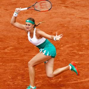 'Kiki' Mladenovic feeds off home crowd to advance in Paris