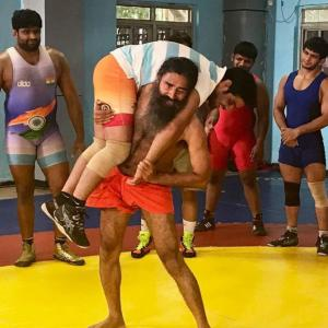 Baba Ramdev wrestles with Olympic champ Sushil
