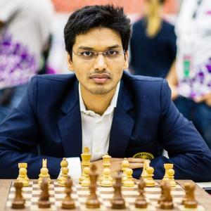 Moscow chess: GM Harikrishna goes down fighting to Gelfland