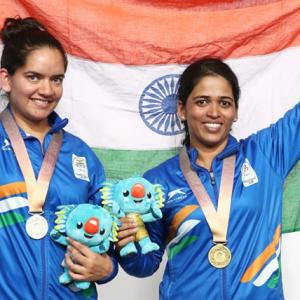 Tejaswini wins 50m Rifle 3 Positions gold, Moudgil silver