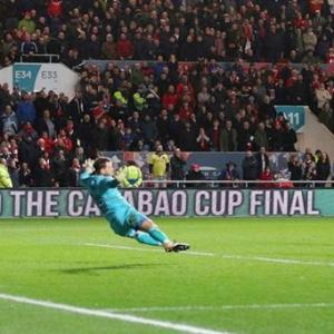 Manchester City survive late fightback to enter League Cup final