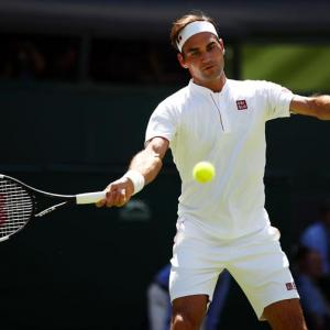 New-look Federer straight back in the old routine