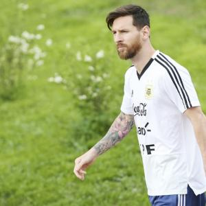 Video Diary: When Messi wore a good luck charm gifted by a journo