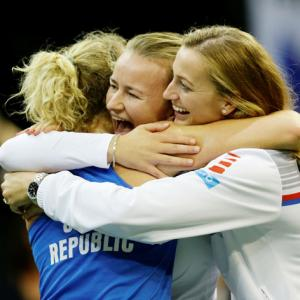 Czech Republic beat US to clinch sixth Fed Cup in eight years