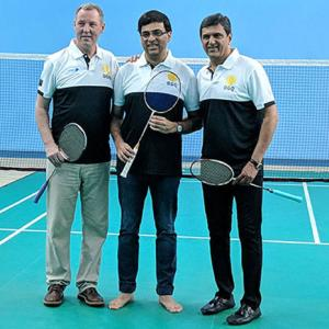 PIX: Legends Padukone, Frost on court with chess great Vishy!
