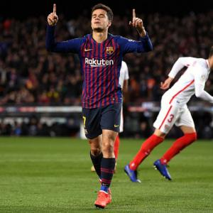PHOTOS: Barcelona demolish Sevilla; Nantes pay tribute to Sala
