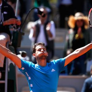 Thiem beats Djokovic in dramatic French semi-final