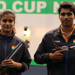 Manu-Saurabh win Asian mixed team gold