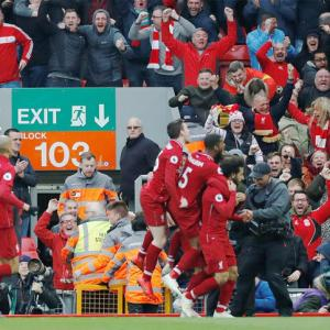 EPL PHOTOS: Liverpool back on top