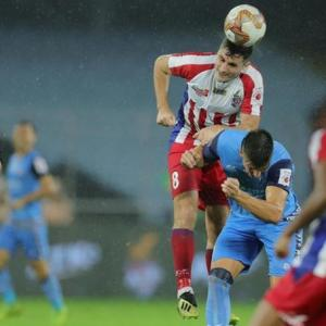 ISL: ATK crush Jamshedpur to climb to top spot
