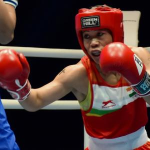 'Magnificent Mary' in World boxing semis