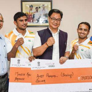 Sports Shorts: Boxers Panghal, Kaushik felicitated