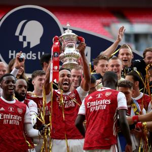 Aubameyang double guides Arsenal to FA Cup title