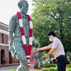 PM Modi, Rijiju pay tribute to Major Dhyan Chand