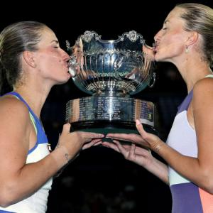 Babos and Mladenovic win Aus Open women's doubles