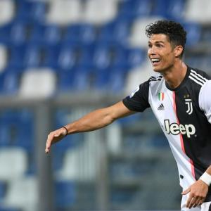 Ronaldo dedicates Serie A title to COVID-affected fans