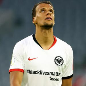 Frankfurt team display '#blacklivesmatter' on shirts