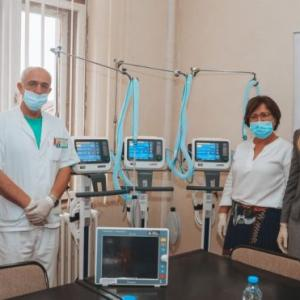 COVID-19: Novak Djokovic Foundation gives ventilators