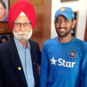 Your wins contribute to my health: Balbir Sr to Dhoni