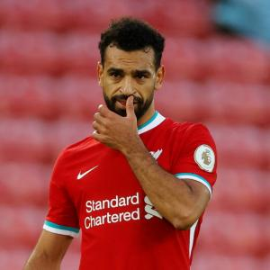 Egypt's Salah tests positive for COVID-19 again