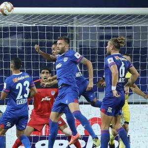 ISL: Hyderabad play goalless draw with Bengaluru