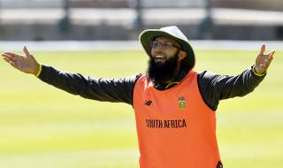 Off-form Amla makes South Africa World Cup squad