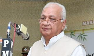 Kerala Guv rejects govt's explanation on anti-CAA suit