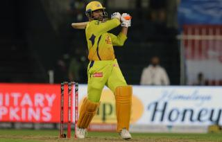 IPL poll: Should Dhoni bat up the order?