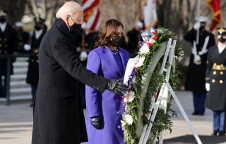 PIX: Biden, Harris pay tribute at Arlington Cemetery
