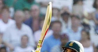 Duminy hits ton as SA destroy Zimbabwe