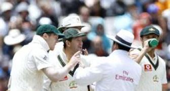 Ponting apologises for umpire row