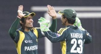 Kamran wants Umar to learn from Tendulkar, Dhoni