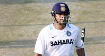 Tendulkar extends financial aid to ailing bat repairer