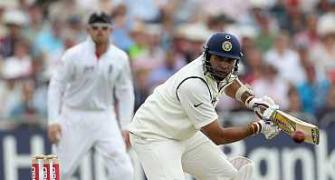 Laxman accused of applying vaseline on bat