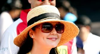 PIX: Sexy Preity, Shilpa, Deepika turn it on at the IPL