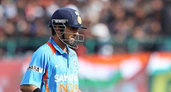 Dhoni defends out-of-form Gambhir, Ashwin