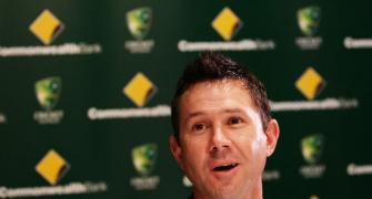 'This baby': Ponting shares pics of favourite bat