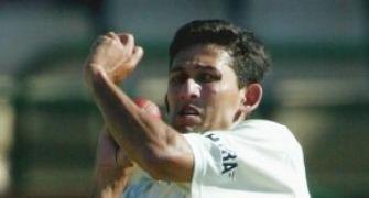 Agarkar announces retirement from all forms of cricket